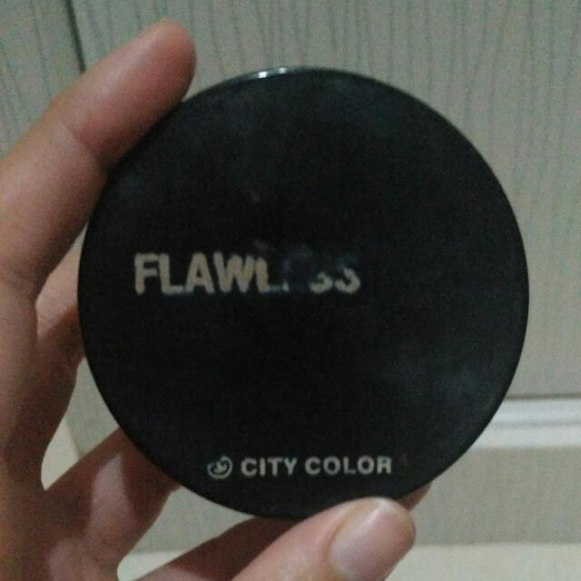 City Color Flawless Powder