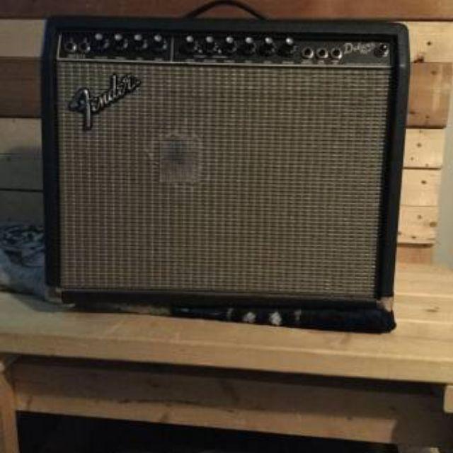 Fender Deluxe 90 Gutair Amp