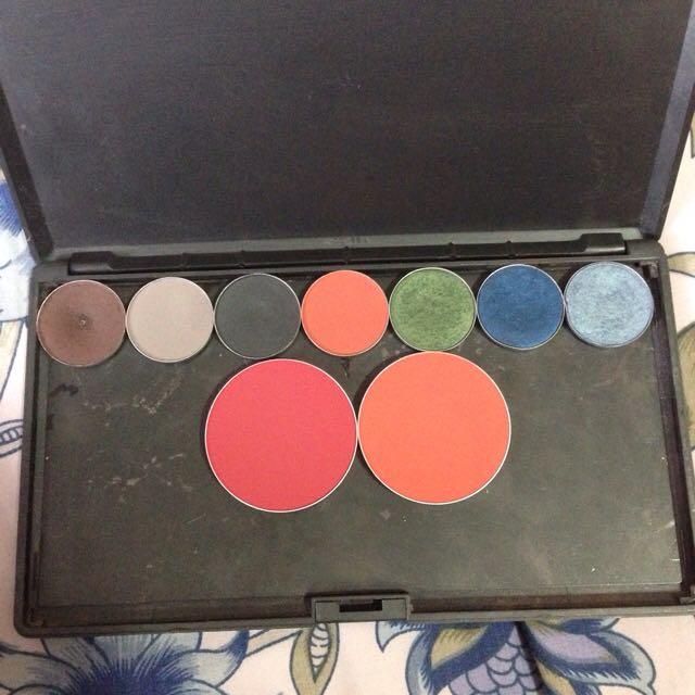 MAC Palette w/ Blush & Eyeshadow