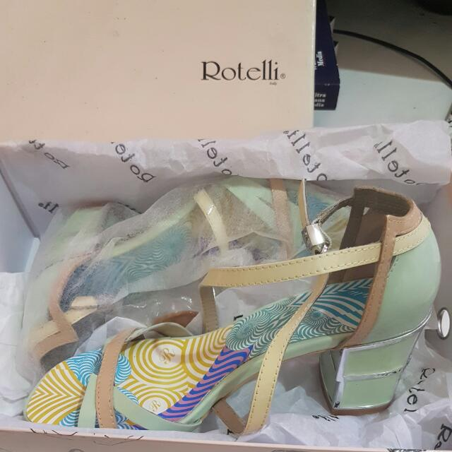 NEW! ROTELLI PASTEL STRAP SHOES SIZE 37!