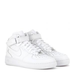 reputable site 4a051 2daa4 Nike Air Force 1 High, Sports, Sports Apparel on Carousell Womens White  Nike High Top ...