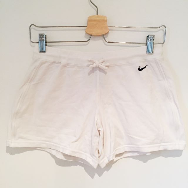 Nike Women's White Stretch Fabric Running Gym Yoga Athletic Shorts Sz M
