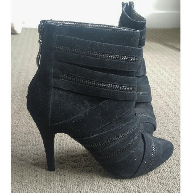 Boots Novo Zip Up Black