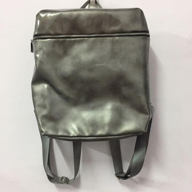 Pinkoki設計師品牌 銀色前衛簡約後背包