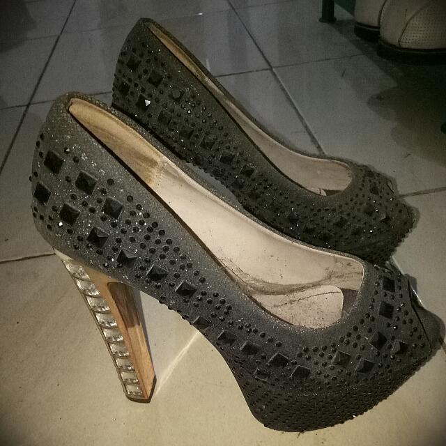 Sepatu Hak Tinggi Glitter