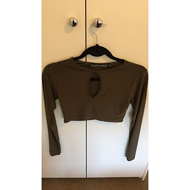 Size 10 Boohoo Night Khaki Stretch Key Hole Long Sleeve Crop Top