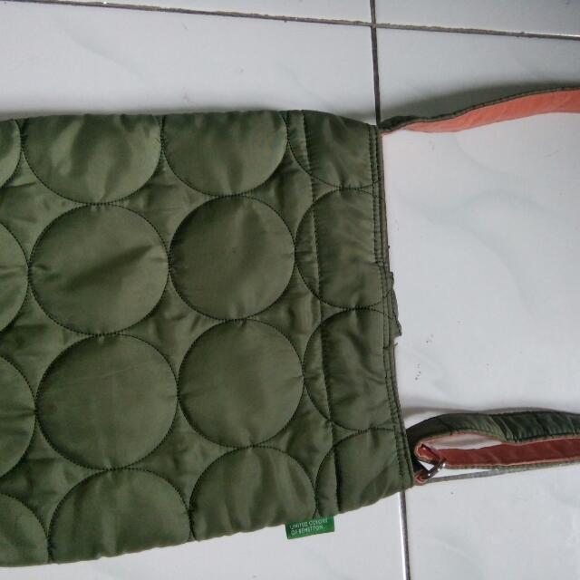 Sling Bag Benetton Preloved