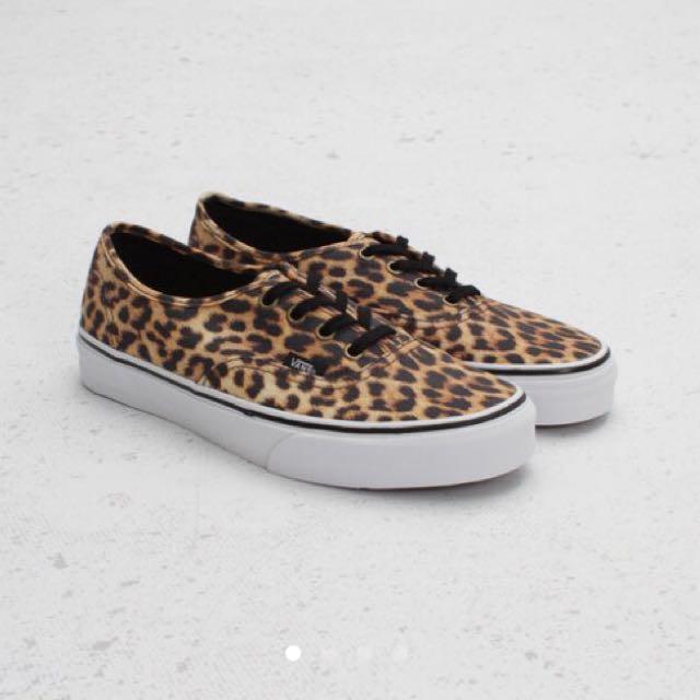 f2c2aa38c2eadc Vans Authentic Leopard Prints Sneakers
