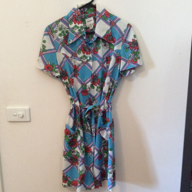 Vintage Dress - Size 14 (but more an M)
