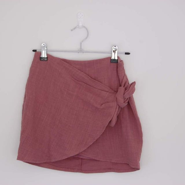 Women's Size 10 Mini Skirt