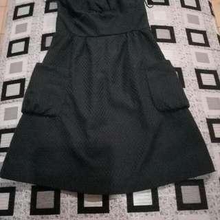 Gaun Pendek Sexy, Mango, Size S, Warna Hitam, Bahan Tebal.