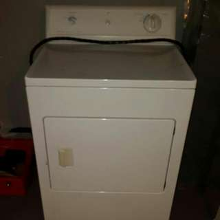 Frigidaire Full Size Dryer