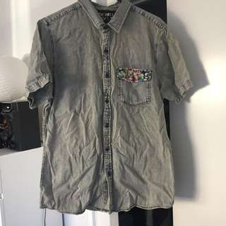 Guy's Button Up Shirt