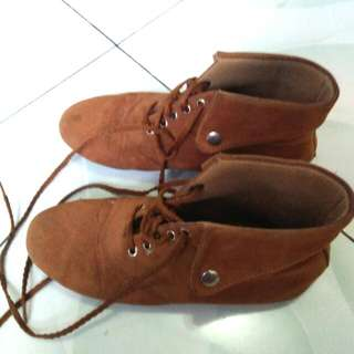 Genny Brown Boots