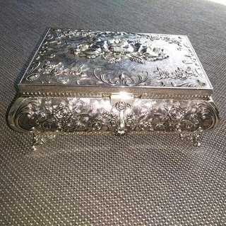 Vintage Style Ornate Silver Jewellery Box