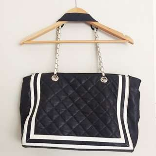 NOVO Black Handbag