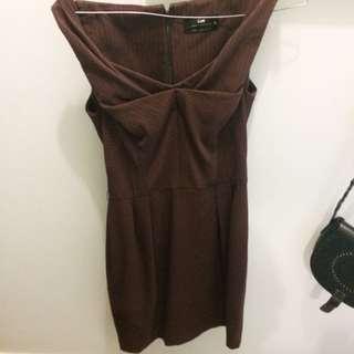 Cue Maroon Business Dress Hemmed Neck Line