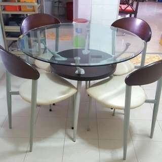 Detachable 42inch x 42inch Dining Table.