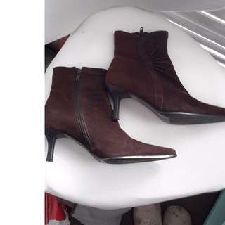 Suede Brown Boots.