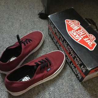 Port Royal/Black AUTHENTIC Vans