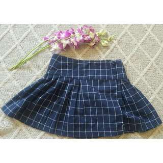 Pre-loved Size 6 Pleated Navy/white Subtitled Skirt