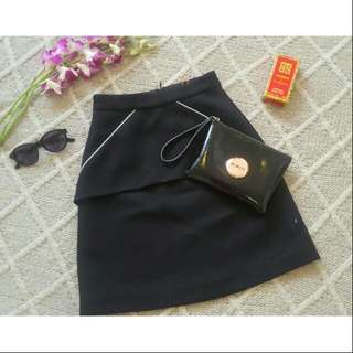Pre-loved Size 6 The Letter Corporate Skirt
