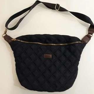 ZINC slingbag