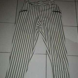 Celana Garis2