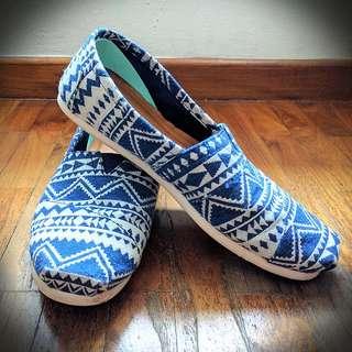 TOMS Tribal Geo Print Men's Classic Shoes