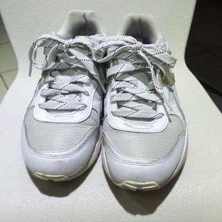 Puma 白鞋