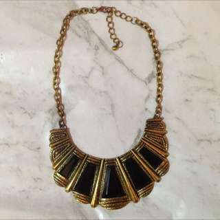 Hard Gold Necklace With Black Stones