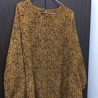 金黃色洋裝