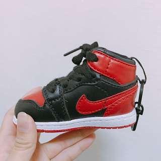 Nike 鞋子行動充
