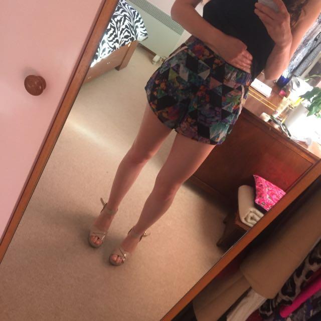 bettina liano high waisted print shorts size 8