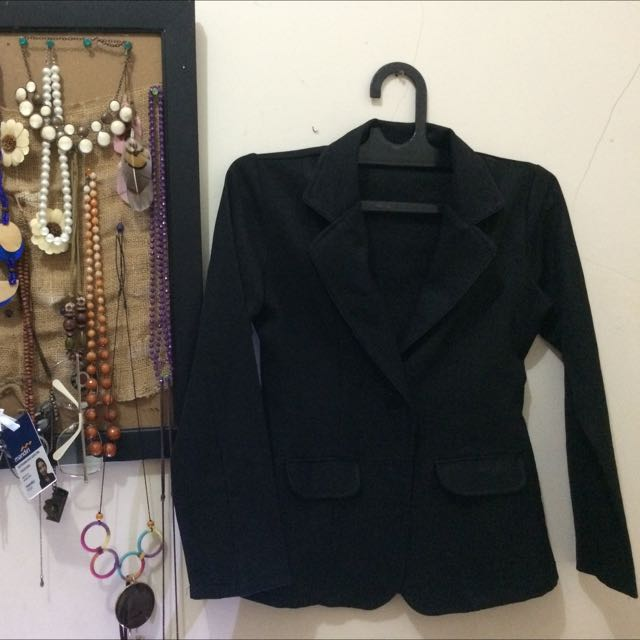 Blazer Formal Hitam