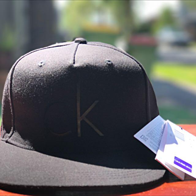 Calvin Klein Maddox Logo Cap (posted)