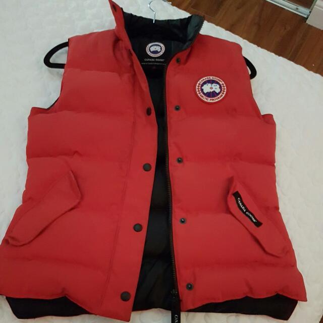canada goose vest!