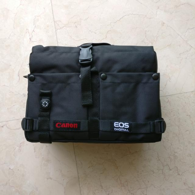 Canon DSLR camera Bag with Compass
