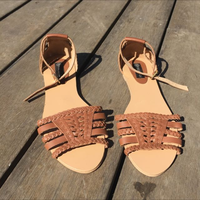 Forever New Tan Sandals size 40 / 9