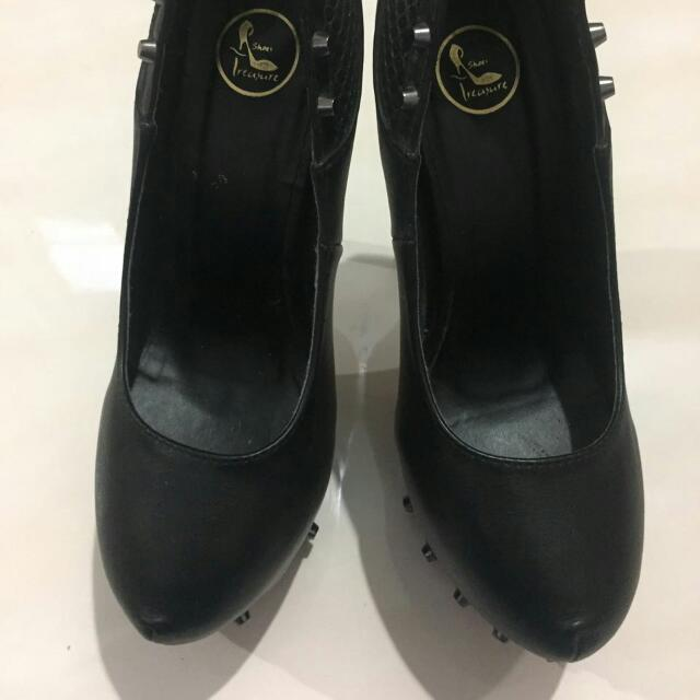 High Heels Black.