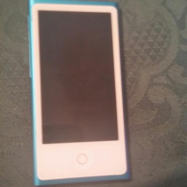 Ipod 7th Generation 16GB Light Blue Mp3 Player 7 I Pod 16 Gb Touchscreen Great Condition Apple