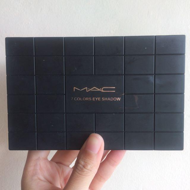 MAC 17 Colors Eyeshadow