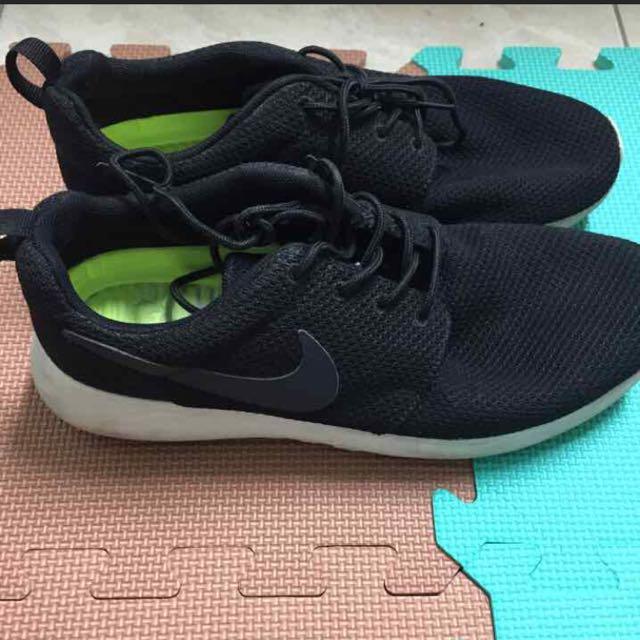 Nike Roshe Run 黑白