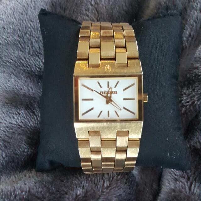 NIXON Watch 50.00 SGD