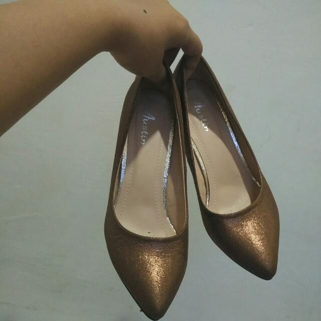 Preloved Heels By Austin