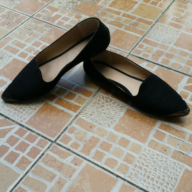 RUBI Black Pointed Doll Shoes