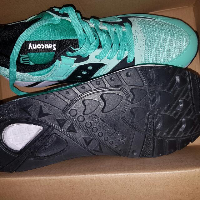 Saucony Grid 9000 Size 8.5us Green