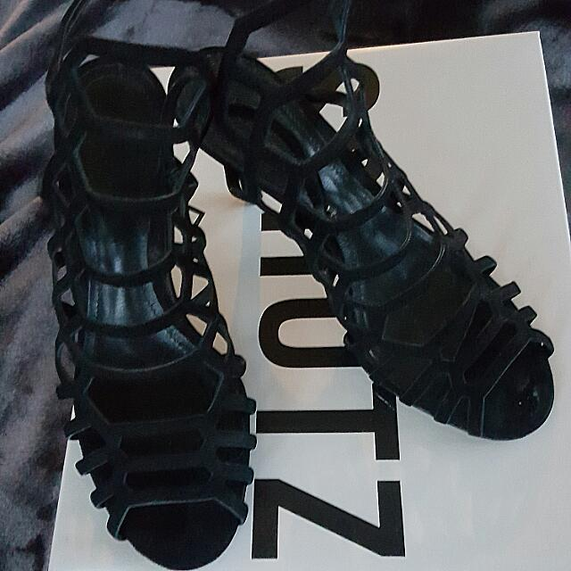 Schutz Cut Out Heels In Black Size 37