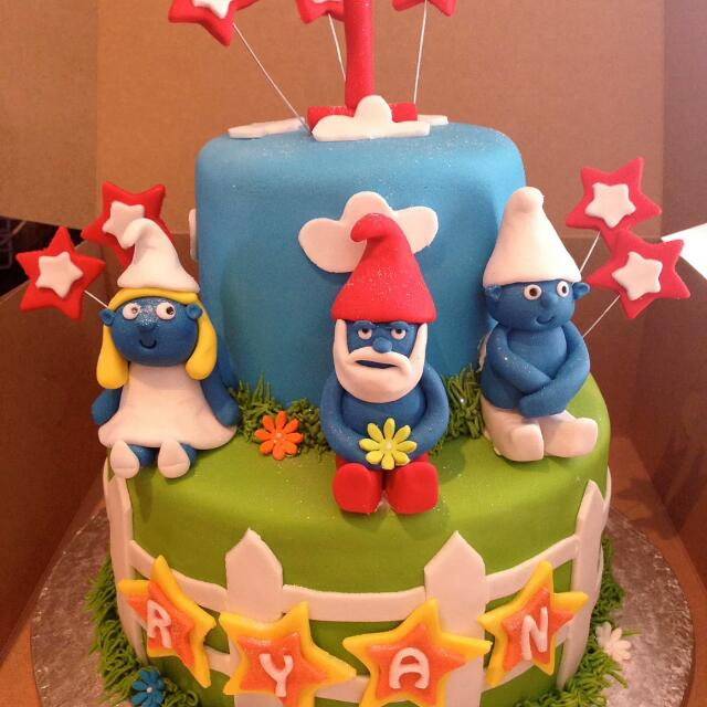 Smurf Cake Food Drinks Baked Goods On Carousell