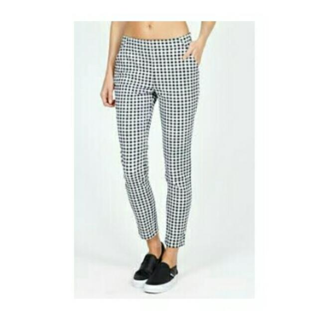 Subtitled Size 8 Micro Gingham Cropped Pant